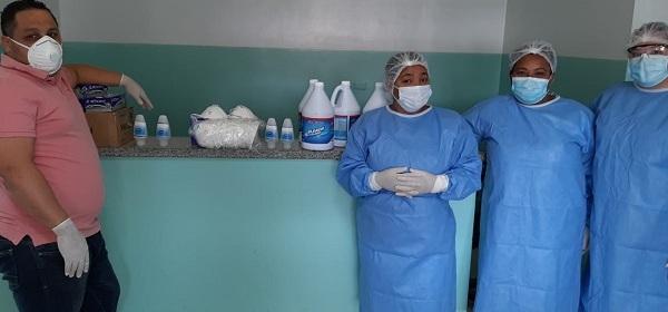 Entre los materiales entregados se encuentran mascarillas, guantes y productos higiénicos para limpieza y lavado de las manos.